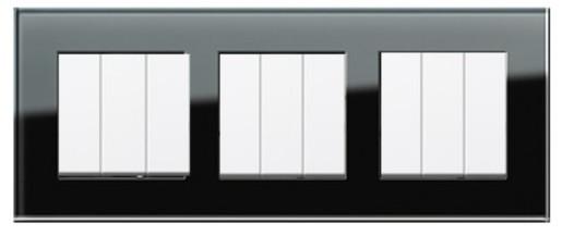 Trei întrerupătoare triple GIRA Esprit alb lucios cu ramă triplă sticlă neagră