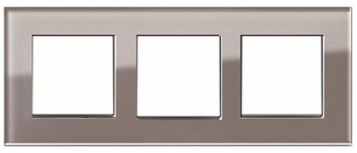 Trei întrerupătoare simple GIRA Esprit alb lucios cu ramă triplă sticlă umbră