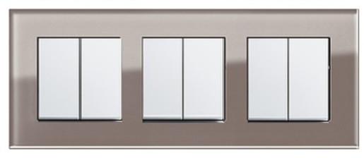Trei întrerupătoare duble GIRA Esprit alb lucios cu ramă triplă sticlă umbră
