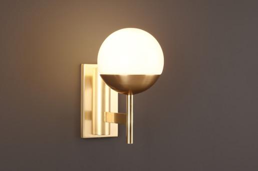 Dallas - Aplică din metal auriu cu abajur din sticlă
