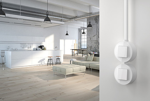 Două întrerupatoare simple GIRA Studio alb lucios cu ramă simplă sticlă albă