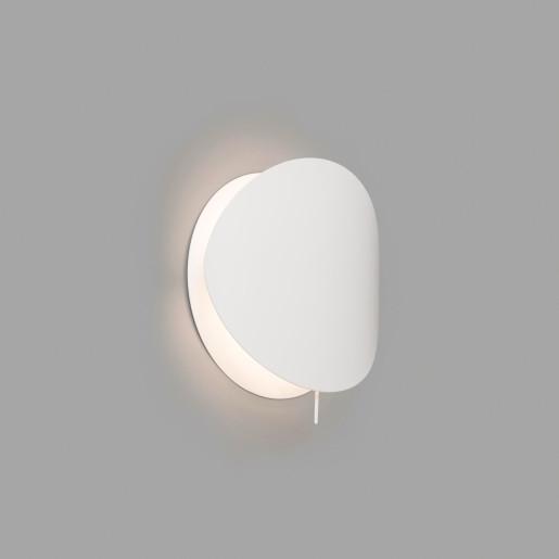 Ovo - Aplică albă din metal minimalistă