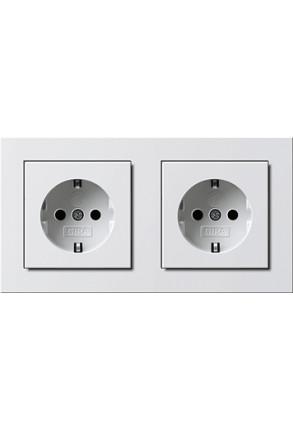 Două prize Schuko GIRA cu ramă dubla alb lucios și doza pentru perete gips-carton