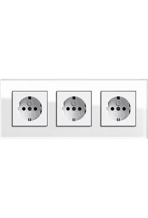 Trei prize Schuko GIRA cu ramă triplă sticlă albă