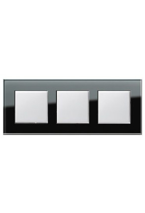 Trei întrerupatoare simple GIRA alb lucios cu ramă triplă sticlă neagră