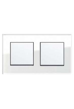 Două întrerupătoare simple GIRA Esprit alb lucios cu ramă dublă sticlă albă