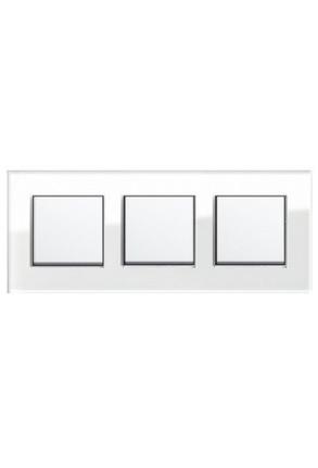 Trei întrerupatoare simple GIRA alb lucios cu ramă triplă sticlă albă