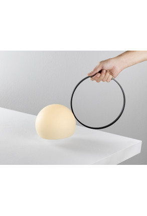 Circ II - Lampă portabilă cu mâner negru